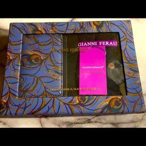Gianni Feraud Cardholder & Socks Gift Set NWT